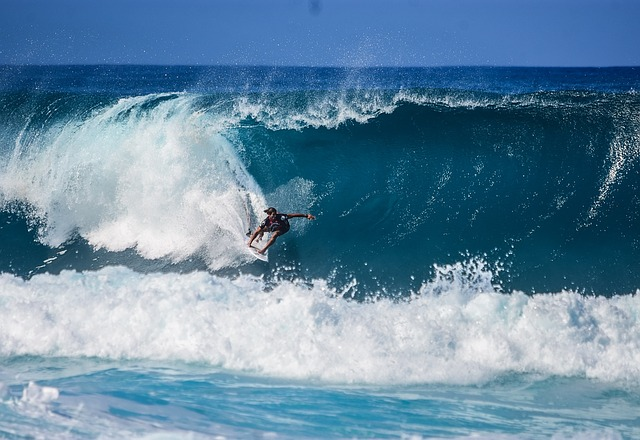 The Best Surfing Places in the Algarve (Portugal)