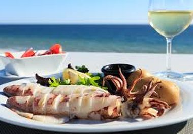 Algarve, sun and seafood.
